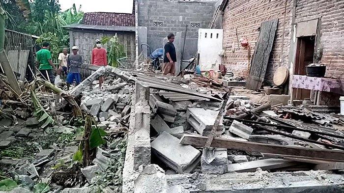 Pasutri Tertimpa Batu Raksasa, Tujuh Orang Tewas Akibat Gempa yang Guncang Jatim