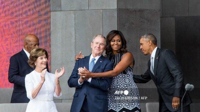 George Bush Terkejut Pertemanannya dengan Michelle Obama Timbulkan Reaksi Besar