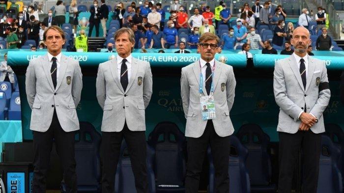 Gianni Vio (paling kanan), senjata rahasia Italia di Euro 2020
