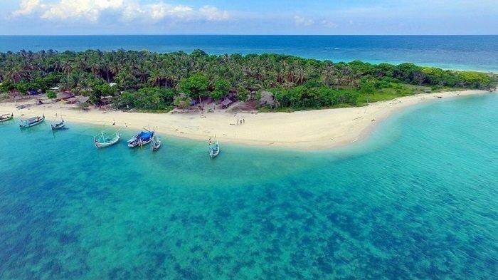 7 Tempat Snorkeling Paling Menakjubkan di Indonesia, Salah Satunya di Bali Barat