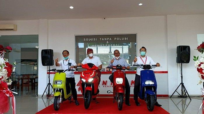 Grand opening showroom center Sentrik yang berlokasi di Jl. Gatot Subroto No. 500, Padang Sambian Kaja, Denpasar Barat, Kamis (28/12/2020)
