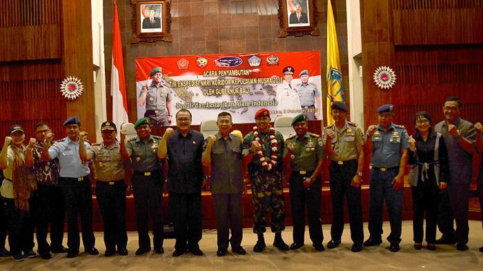 Hercules TNI AU A-1310 Angkut Tim Ekspedisi NKRI ke Bali