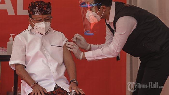 17 Pejabat di Bali Sudah Disuntik Vaksin Covid-19, Koster Bakal Kembali Ikuti Vaksinasi Tahap Kedua