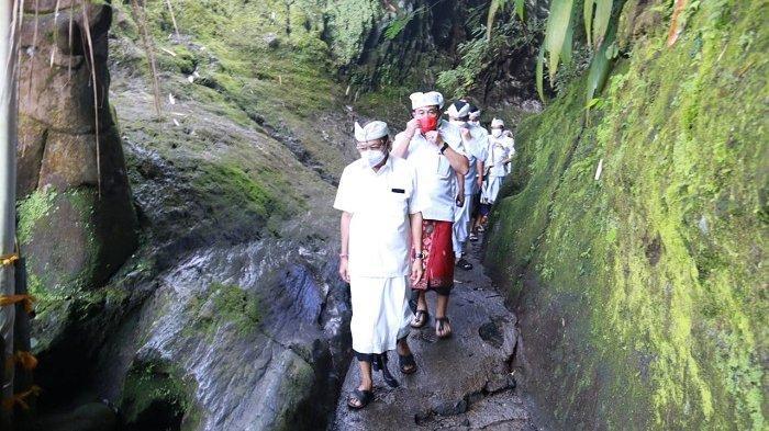 Mohon Kerahayuan Jagad dan Krama Bali, Koster Sembahyang di 17 Pura Kawasan Besakih