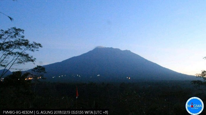 Aktivitas Gunung Agung Periode 6 Jam Terakhir  Terjadi Dua Kegempaan Vulkanik
