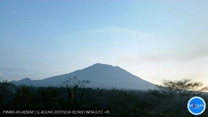 Gunung Agung 'Tak Sepenuhnya Tenang', Estimasi Lava di Kawah Sebanyak 20 Juta Ton