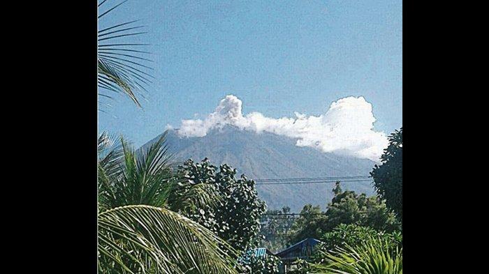Masih Sempat Erupsi Namun PVMBG Indikasikan Untuk Turunkan Status Gunung Agung
