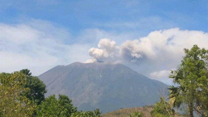 Dalam 6 Jam, Gunung Agung Alami Gempa Hembusan Hingga 30 Kali