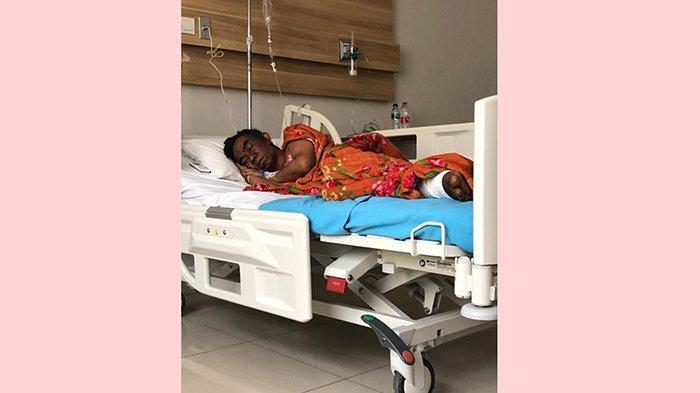 Hakim Periksa Terdakwa Wayan Wakil di Rumah Sakit, Wajahnya Menghitam
