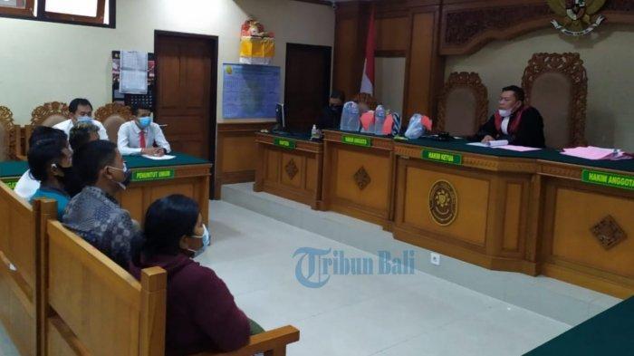 Hakim PN Gianyar Bayarkan Denda 5 Penjual Arak, Sosialisasi Perda Tentang Arak Dinilai Tak Jelas