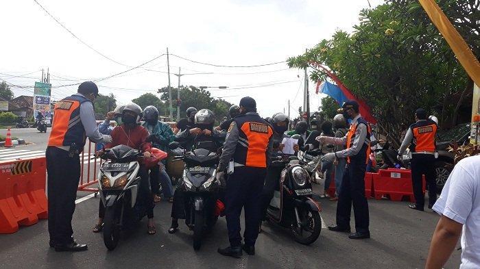 Meski Perbatasan Dijaga di 8 Titik, Masih Ada Warga lewat Jalan Tikus, Ini Tanggapan Pemkot Denpasar