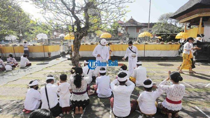 Jam Dibatasi dan Tak Dipimpin Pemangku, Persembahyangan Galungan di Jagatnata Denpasar Bali
