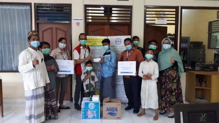 FIFGROUP Bagikan 32.000 Takjil Tersebar di Seluruh Cabang di Indonesia