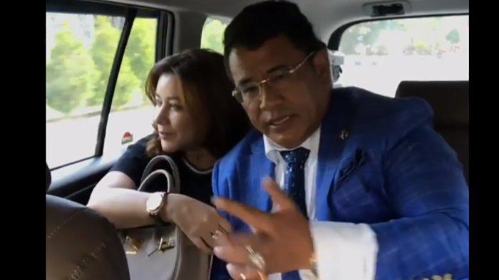 Di Bali, Hotman Paris Kenalkan Sosok Asisten Pribadinya yang Cantik Sampai Beri 2 Mercedes Benz