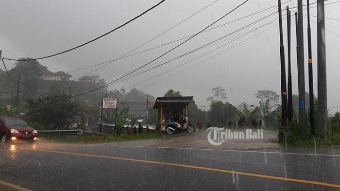 Tahun Baru, Kawasan Wisata Bedugul Dilanda Hujan Deras dan Kabut