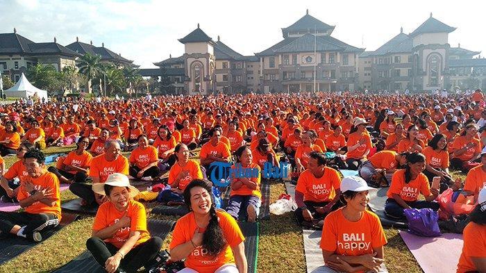 10.000 Peserta Yoga Tertawa Meriahkan HUT Varash ke-2, Raih Rekor Muri