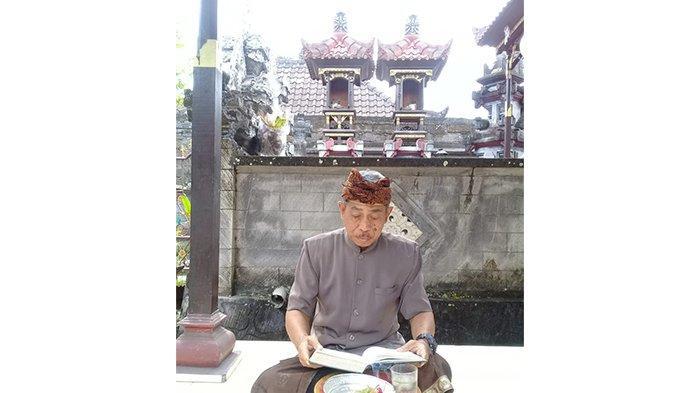 TRIBUN WIKI-I Komang Arsana, Seniman Asal Jembrana yang Tak Kenal Lelah Lestarikan Seni Dharma Gita