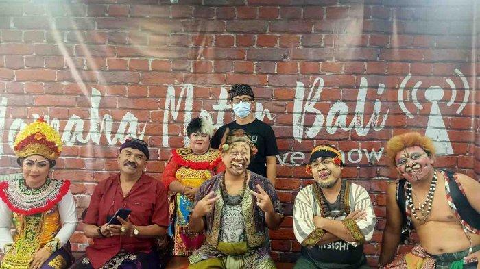 Seniman Multi Talenta Bali, Kumis Sartika Hadir Dalam Acara Makedekan Ajak Clekontong Mas