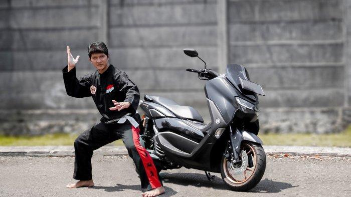 Satu Dekade Lebih Jadi Pengguna Yamaha, Iko Uwais Tambah Motor Baru Lagi