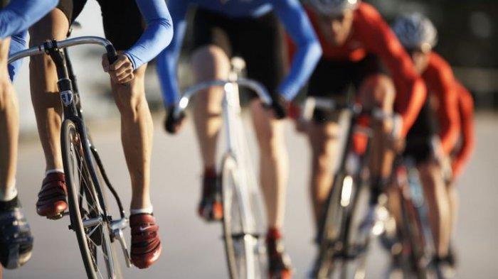 6 Tips Bersepeda yang Aman di Jalan Raya