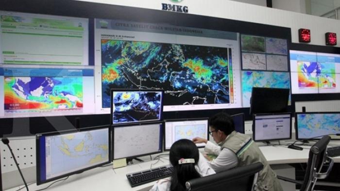 BMKG Prediksi Waktu Puncak Badai La Nina di Indonesia, Presiden Jokowi Imbau Waspada Bencana