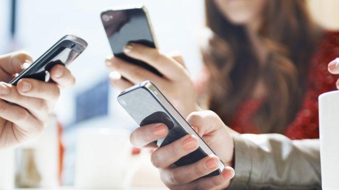 Tes Kepribadian: Baca Karakter Lewat Caramu Memegang Smartphone, Kamu Si Efisien atau Pemalu?