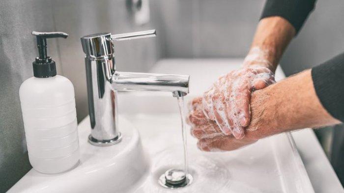 Faktor Risiko Terkena Penyakit Tipes, Termasuk Jajan Sembarangan dan Kebiasaan Tidak Cuci Tangan