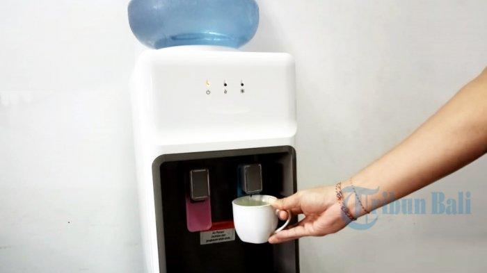 Tips Membersihkan Dispenser Agar Tidak Jadi Sarang Bakteri dan Penyakit