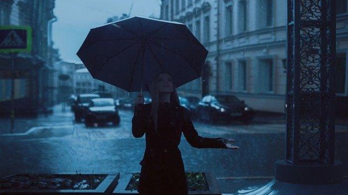 6 Hal yang Perlu Dilakukan Saat Berwisata Pada Musim Hujan