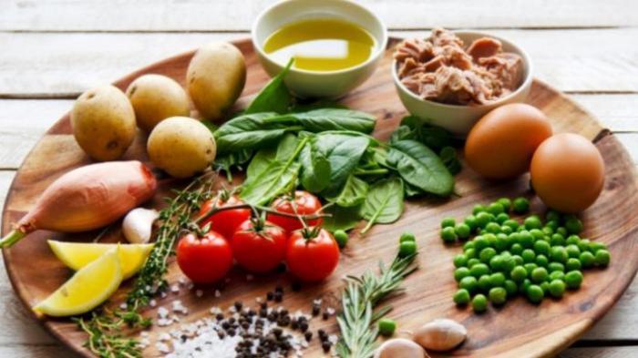Makanan yang Harus Dihindari Saat Tipes Serta yang Wajib Dimakan