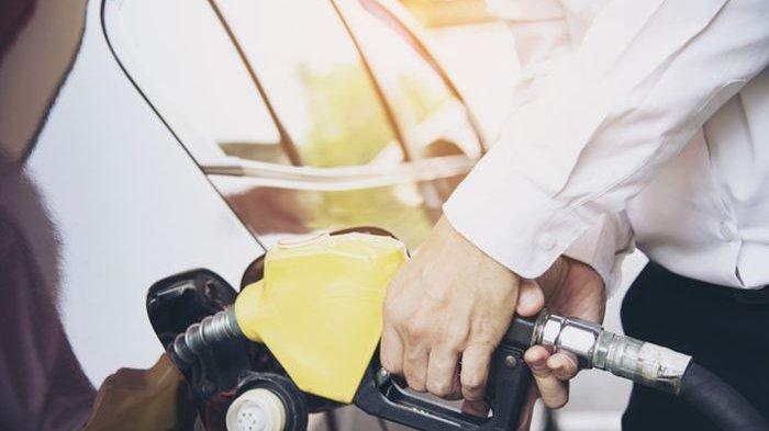 Kebiasaan Gak Ngisi Tangki BBM Mobil Sampai Penuh, Ternyata Bisa Berdampak Negatif, loh!