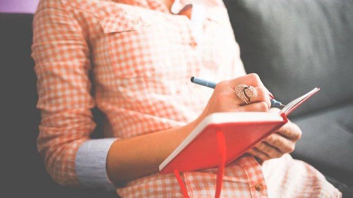 Menulis Jurnal Harian untuk Mengendalikan Pikiran dan Emosi, Ikuti 6 Langkah Ini