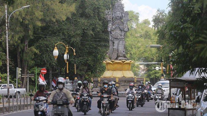 PPKM di Bali Resmi Turun Jadi Level 3, Menko Luhut Ingatkan Upacara Agama Dibatasi