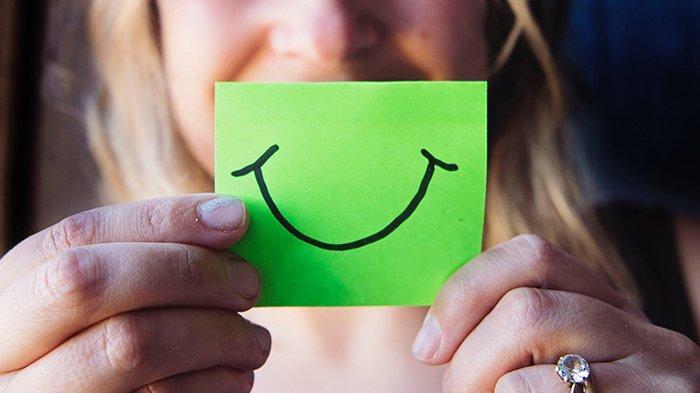 Berpura-pura Dapat Membuat Kita Merasa Lebih Bahagia, Kok Bisa?