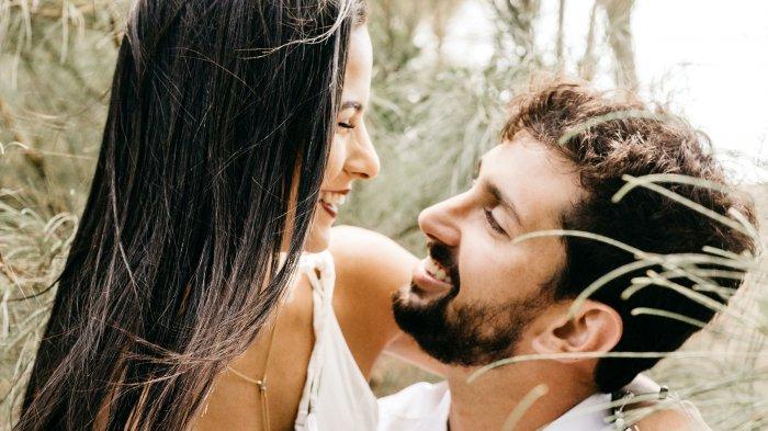 Ramalan Zodiak Cinta Minggu Ini 20-26 Februari 2021: Aries Makin Mesra, Taurus Bosan dengan Pasangan
