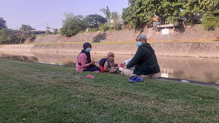 Asyiknya Ngabuburit Bersama Keluarga di Taman Pancing Denpasar