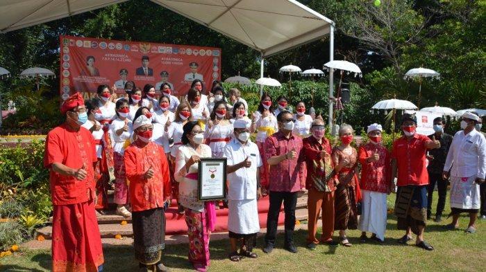 Ditinjau Gubernur Bali dan Wali Kota Jaya Negara, INTI Bali dan IKBS Gelar Vaksinasi Massal