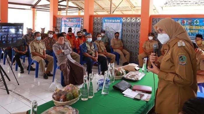 Bupati Banyuwangi, Ipuk Fiestiandani Kembali Gaungkan Program Bunga Desa, Berikan Solusi Untuk Warga
