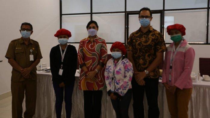 Istri Bupati Gianyar Menyaksikan Penandatanganan Kontrak Kerja  PT. Mitra Prodin