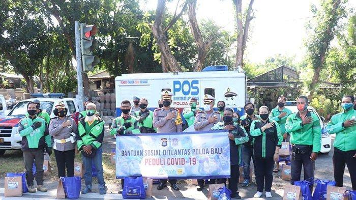 Selama PPKM Level 3, Polda Bali Prioritaskan Beri Imbauan dan Pembagian Sembako kepada Masyarakat