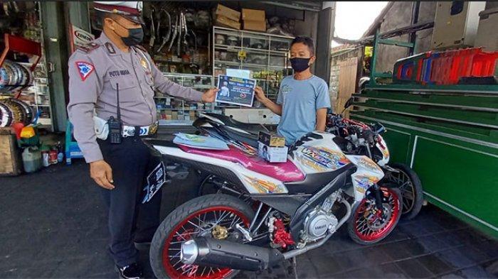 Larang Penggunaan Knalpot Brong, Satlantas Polres Badung Gelar Sosialisasi di Sejumlah Bengkel Motor