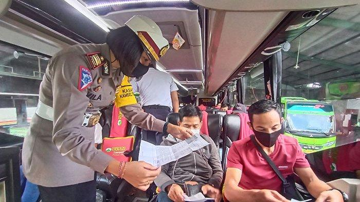 Ratusan Personel Gabungan di Tabanan Jaga Ketat Pemudik,Awasi Kendaraan Muatan Barang & Travel Gelap