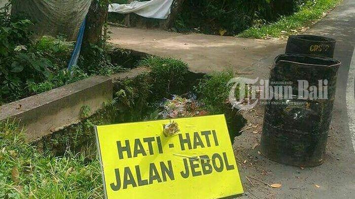 Jalan Berlubang Bahayakan Pengendara di Gianyar Ini, Sudah Makan Korban