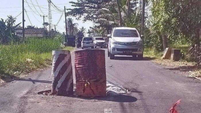 Jalan Jebol di Banjar Pinda Blahbatuh Gianyar Masih Belum Diperbaiki