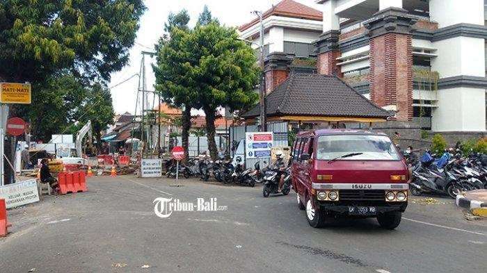 Jalan Raya Sukawati Ditutup sampai Desember 2021, Ada 2 Pekerjaan Infrastruktur