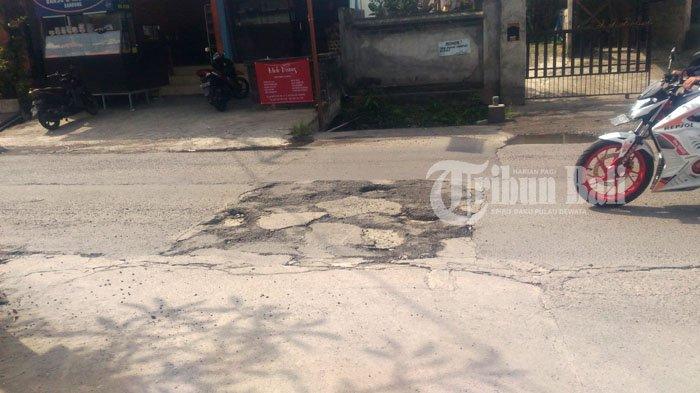 Jalan Rusak di Batuyang Kapan Diperbaiki?