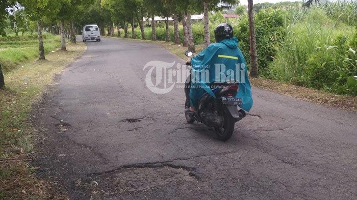 Waduh, Jalan Tulikup Gianyar Kembali Berlubang