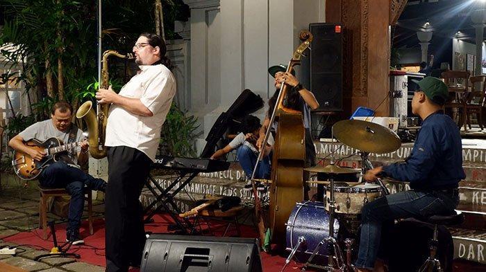 Jazz Under The Tree, Kolaborasi Musisi dan Penikmat Jazz