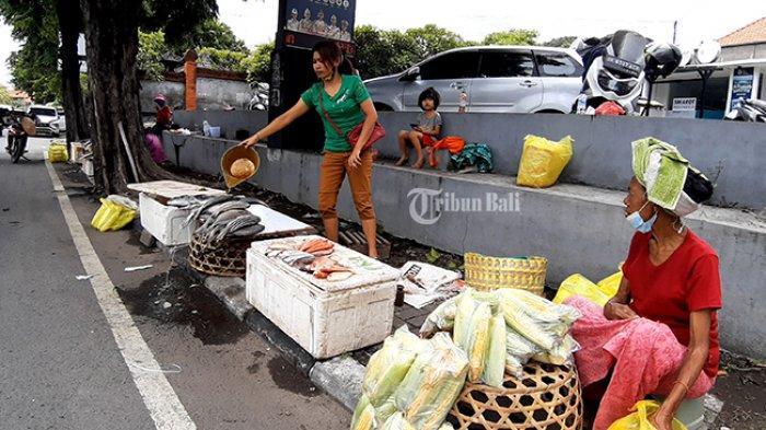 Jelang Pergantian Tahun, Pedagang Ikan Musiman di By Pass Ngurah Rai Sanur Sepi Pembeli