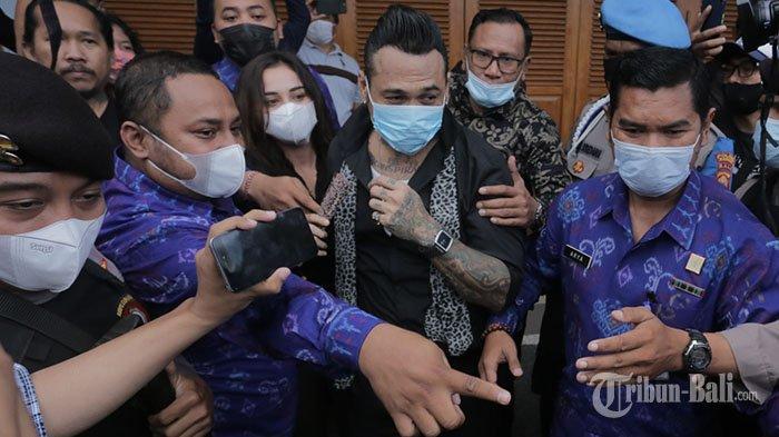 Ciptakan Lagu Bersama Antrabez, Keluar dari Lapas Kerobokan Bali, Jerinx Enggan Berkomentar